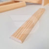 Kép 2/2 - 10x30x2200 Barkácsléc csomómentes 2 él lekerekítve (téglalap)