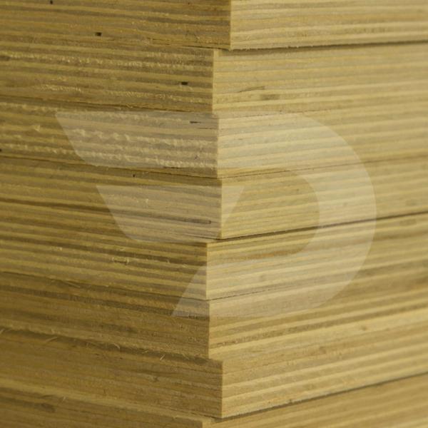 18x1525x1525 Rétegelt Lemez BB/CP